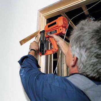 Установка входных (металлических) дверей, установка межкомнатых дверей